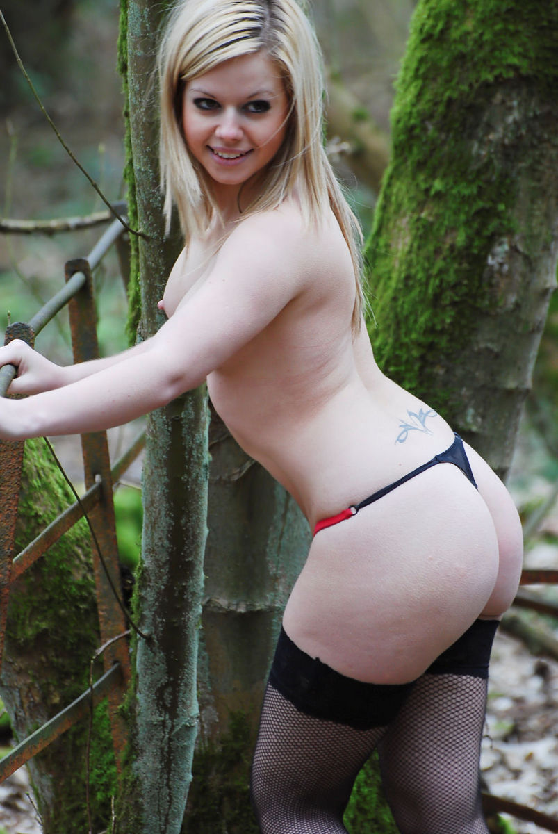 Tiny blonde teen gets her ass creampied by online date - 2 8