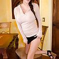 Talia Shepard massive titties - image