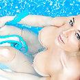 Busty bikini bage Nikki Sims  - image
